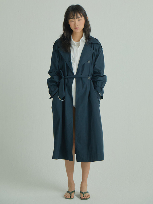 Long and Flow  Trench Coat / Navy